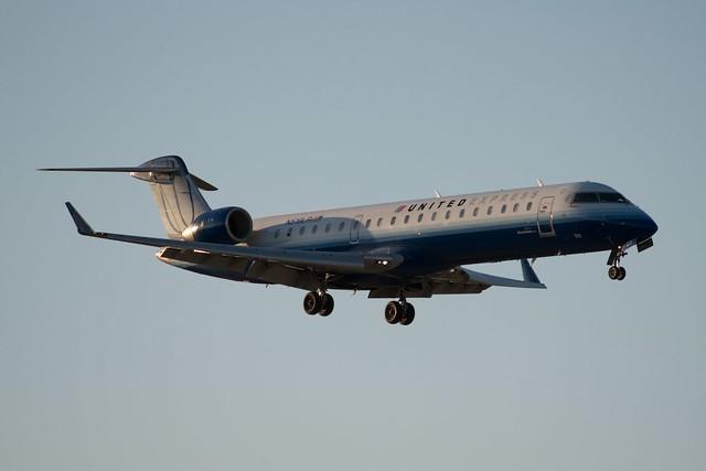 United Express Mesa Airlines CRJ700 N519LR  United