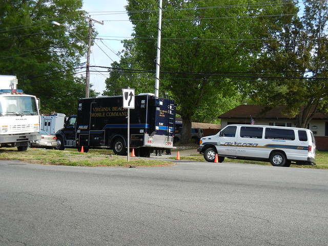 virginia beach barricaded person 4-2012 (6)