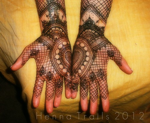 heart henna by Henna Trails