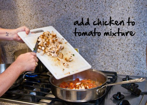 add chicken to tomatoes