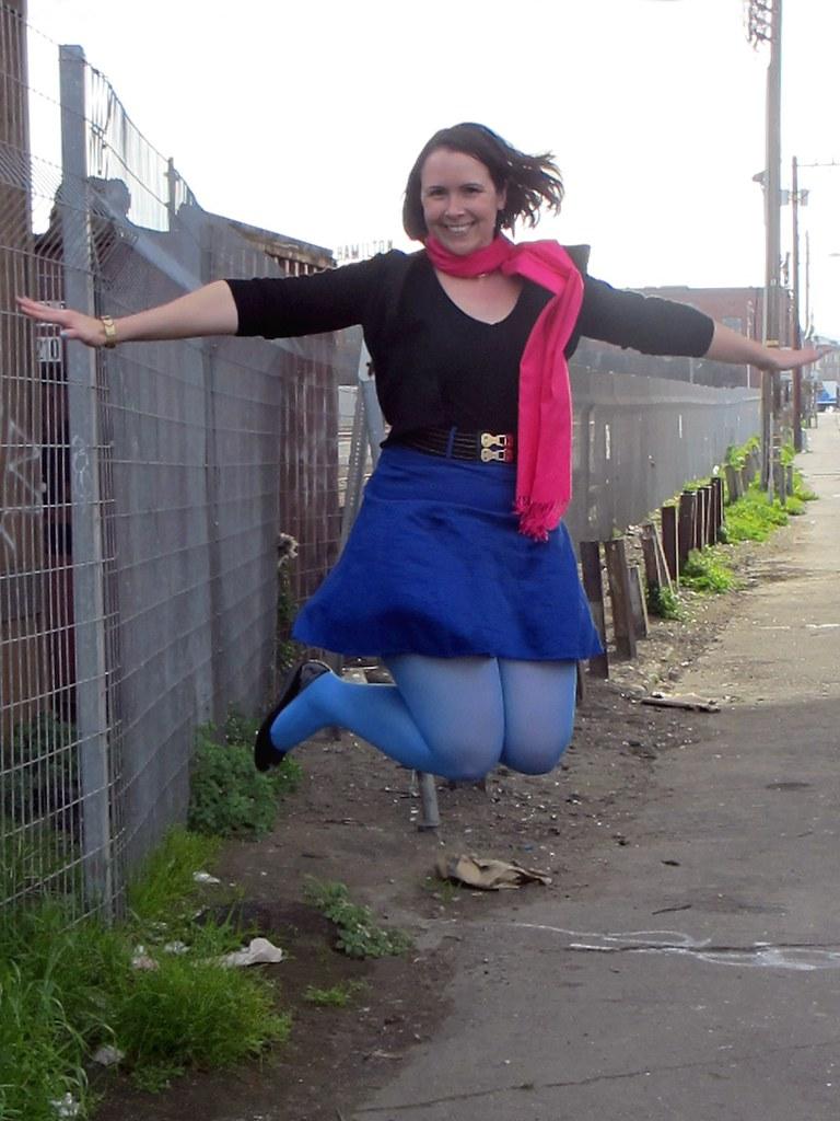 Look! I'm levitating!