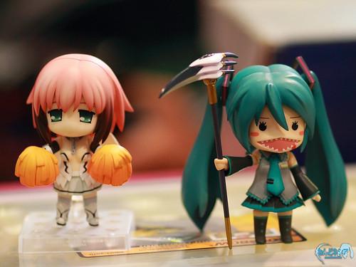Ikaros and Tooko-Miku