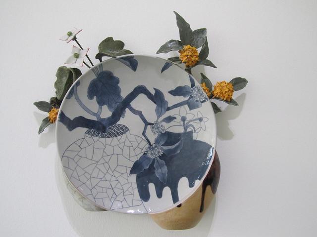 flower/plate by Keiko Masumoto