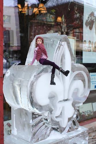 Poppy on the Fleur de Lis ice sculpture