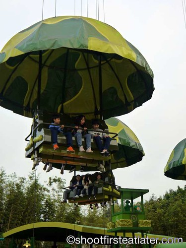 Toy Story Land- Toy Soldier Parachute Drop