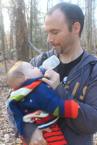 Mason Neck State Park - Kane's Creek Trail - Daddy Gives Sagan a Snack
