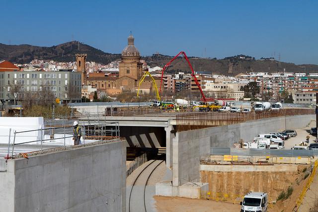 Hormigonando losa junto al puente de Sant Adrià - 09-03-12