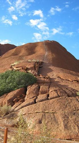 Uluru by Fottles