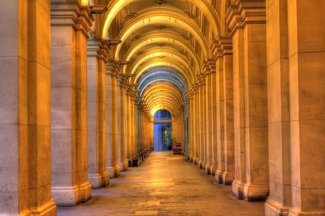 Melbourne GPO Columns 2012-03-03 (_MG_3871_2_3_4_5_6)
