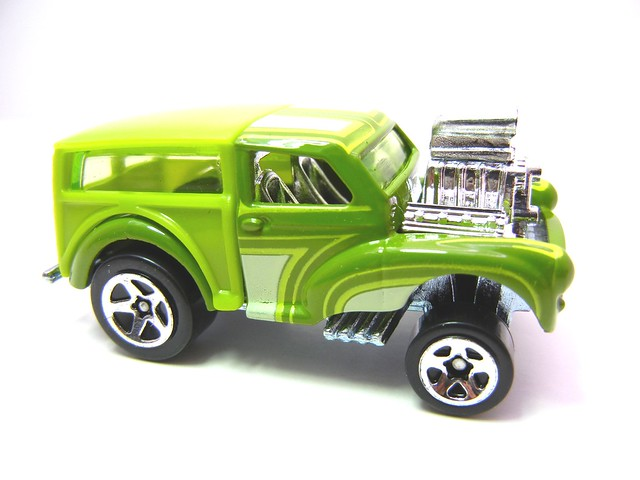 hot wheels hot ones morris wagon (2)