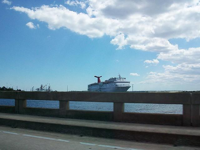 cruise ship coming home