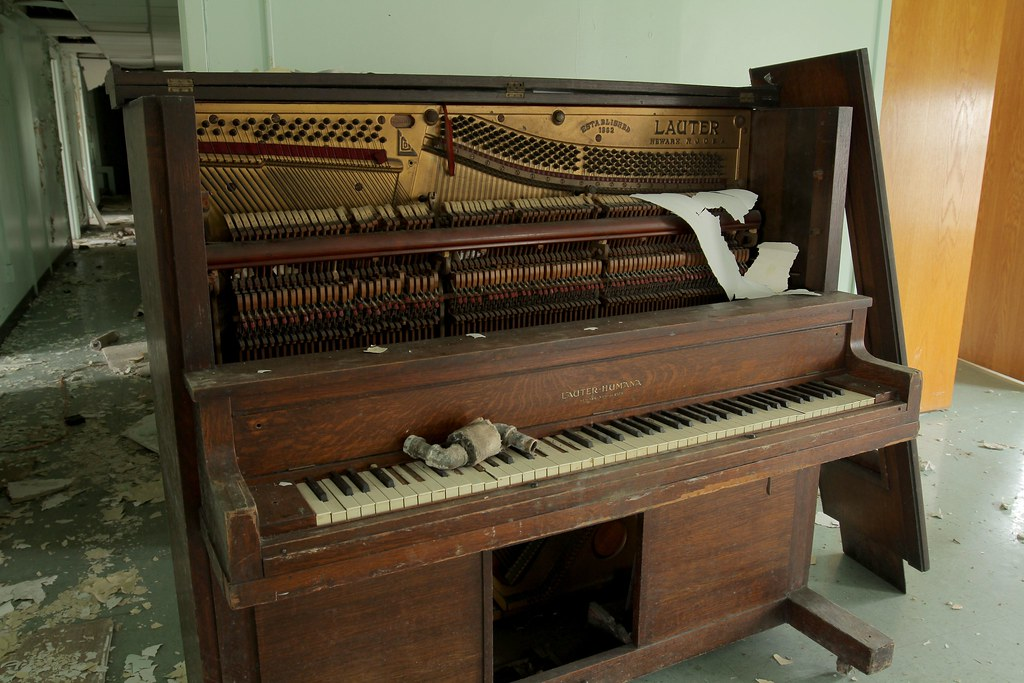 Abandoned Piano in Bayley Seton