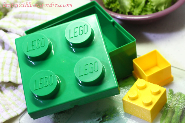 Lego Big Square Lunchbox in green and small sauce container box