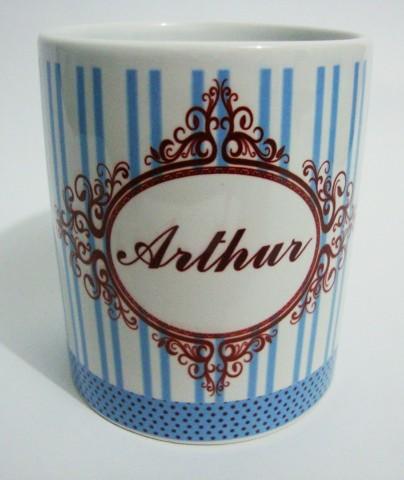 Canecas personalizadas Arthur by by Luciana Godoy - Lembrancinhas Personalizadas