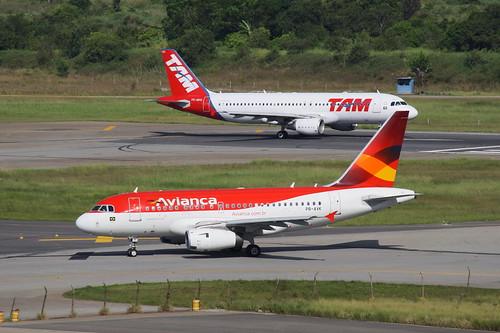 Avianca Brasil & TAM   Airbus A318 & Airbus A320 @ SBGR