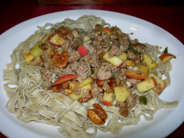 Turkey, Apples, Mushroom & Pecans with Herbed Noodles