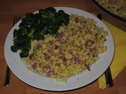 Speckknöpfle mit Feldsalat
