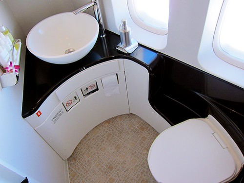 Overview of First Class Bathroom by bloompy