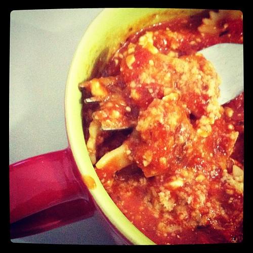180. Molho de tomate com ricota.