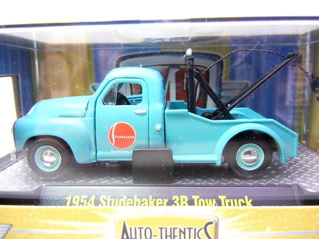 m2 machines auto thentics 1954 studebaker 3r tow truck blue (2)