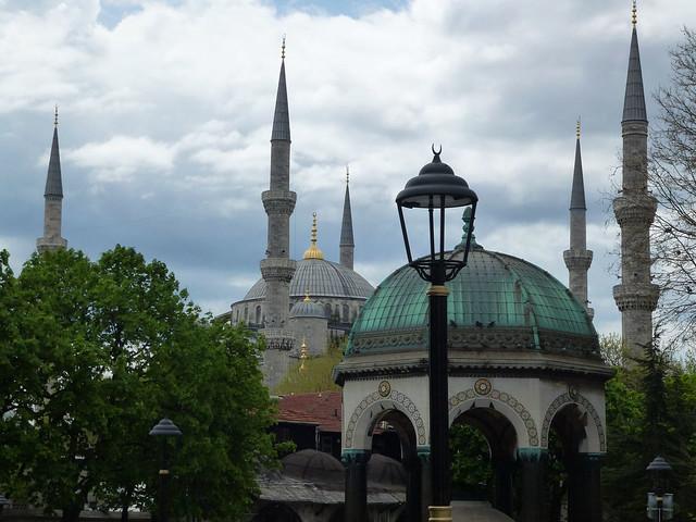 Istanbul - avril 2012 - jour 8 - 003 - Ayasofia et la fontaine de Guillaume II