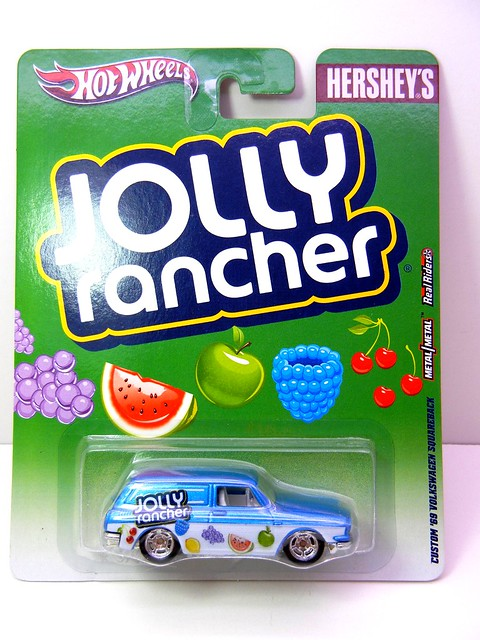 hot wheels nostalgia hersheys  jolly rancher customized '69 volkswagen squareback (1)