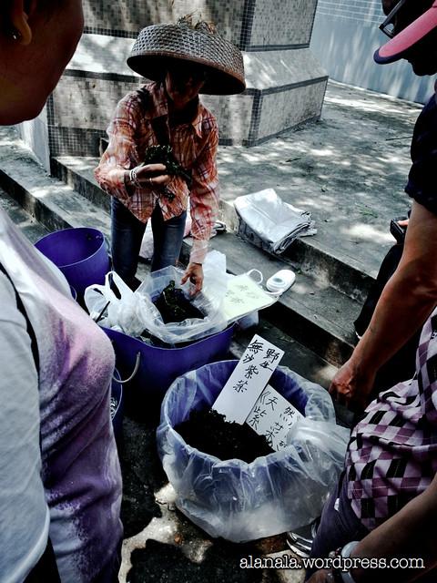 The Fisherwoman selling dried seafood