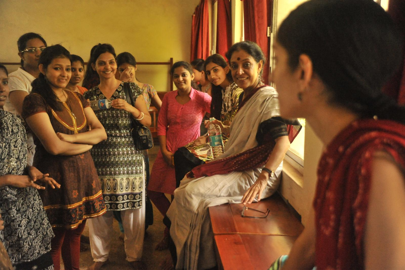 Smt. Madhavi Mudgal (Odissi) and Arushi interacting about LIFE and DANCE