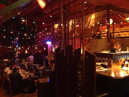店内はとても広い。昔のままですね。@アジアンキッチン 新宿武蔵野ビル店 (asian kitchen)
