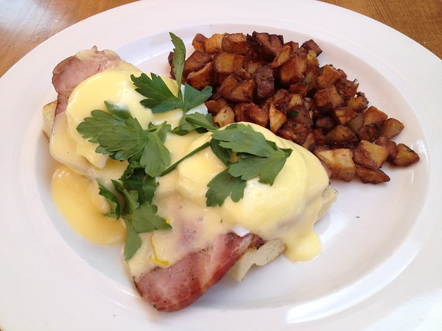 Eggs benedict - The Girl & The Fig