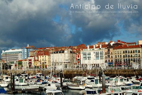Gijón (Asturias) Puerto deportivo y barrio de Cimadevilla