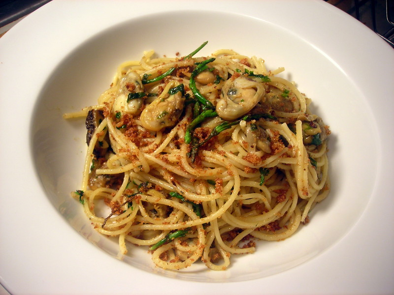 Spaghetti with white clam sauce, samphire and fried breadcrumbs with bottarga