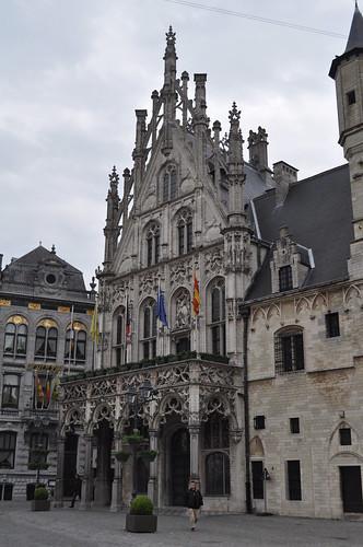 2012.04.29.052 - MECHELEN - Grote Markt - Stadhuis van Mechelen - Paleis van de Grote Raad