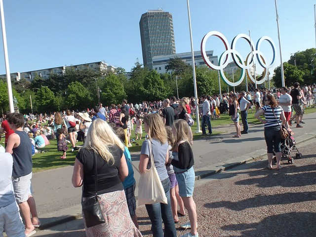 Olympic Torch makes it way through Cardiff
