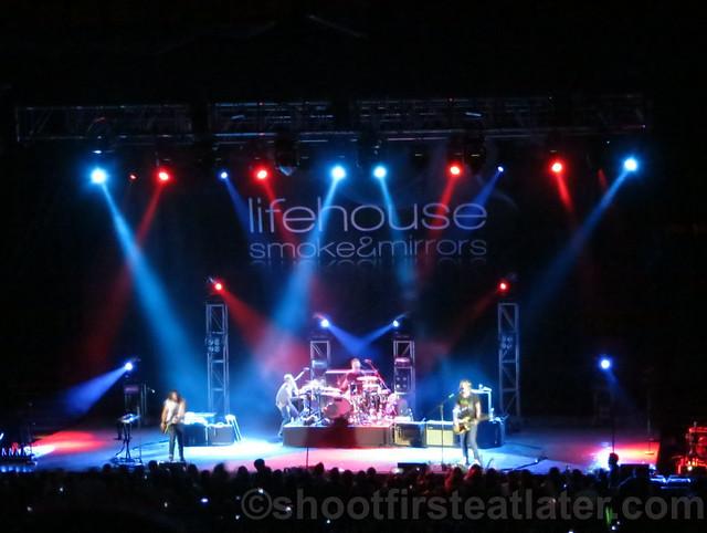 Lifehouse at the Smart Araneta Coliseum-019