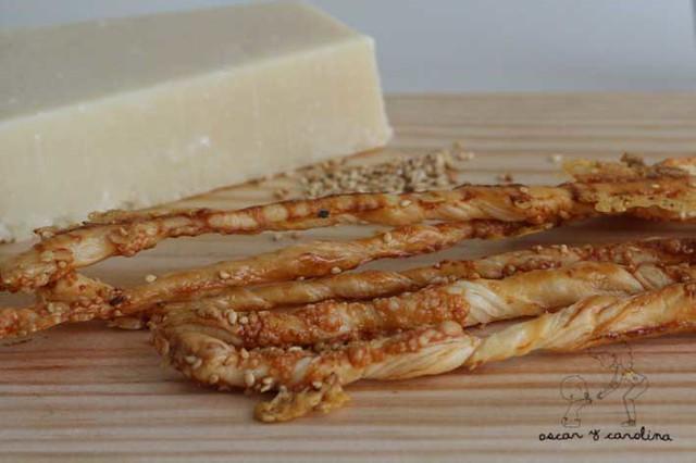 Palitos hojaldre queso parmesano