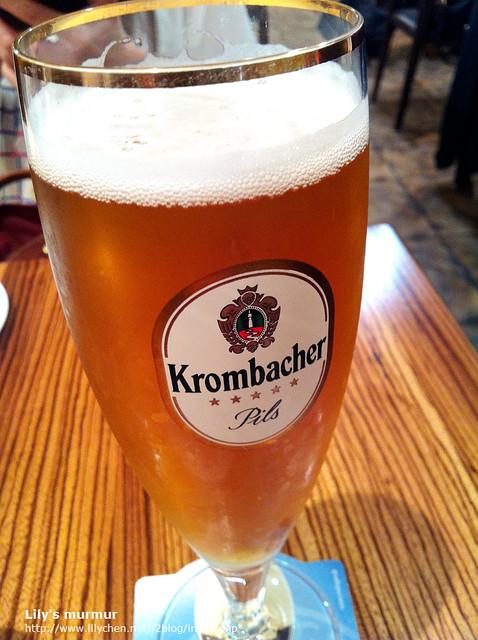 來到德國餐廳,理所當然要來杯德國啤酒囉!