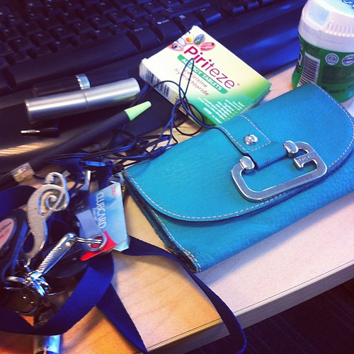 Day 17: in my bag. Wallet, gum, allergy pills, keys, headphones, lipstick, concealer, pen. #photoadayjune #catchingup
