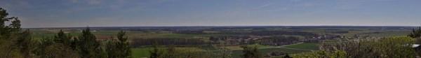 Panoramique sur la Côte d'or depuis le mont Lassois