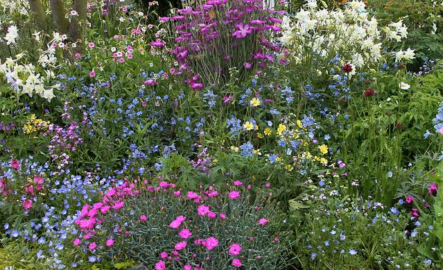 U BED Spring Garden Elayne ADJ & CROP