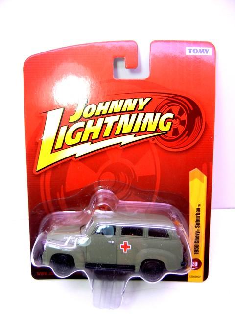 johnny lightning 1950 chevy suburban army green ambulance (1)