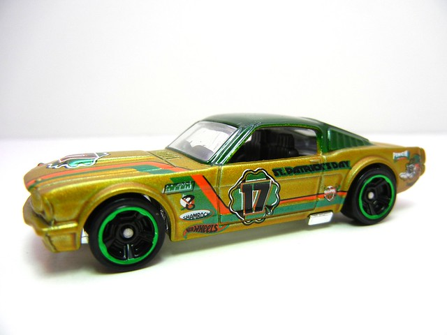 hot wheels clover cars '65 mustang fastback 2+2 (2)