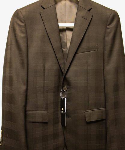 ブラックレーベルのスーツ