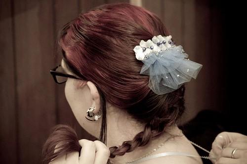 Custom hair accent clip w/mock veil