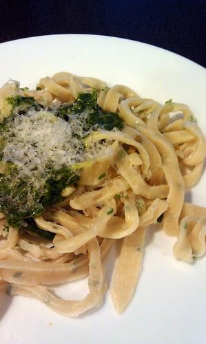 Cilantro pesto and chive pasta by pipsyq