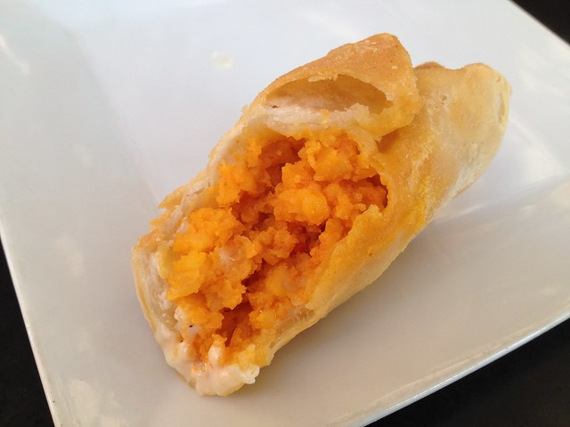 Taquitos de camarones al ajillo Toro Salao