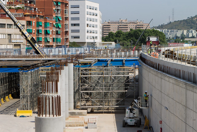 Cubriendo la nueva estación de Sant Andreu - 30-05-12