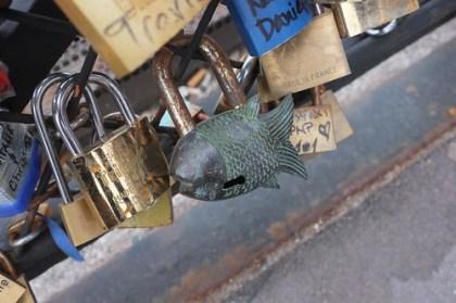 """padlocking our """"love"""" at the pont de l'archevêché"""