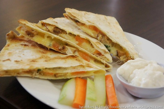 4.Quesadillas, chopped tomatoes, onions, coriander leaf, cheese and BBQ chicken folded in flour tortilla and grilled to perfection RM11.90 (1)