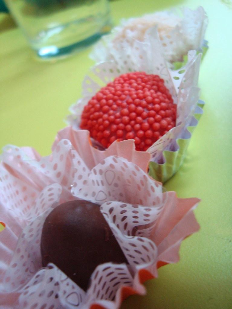 Porque nem de só chocolate é feita a Páscoa. Ela pode ser mais colorida :)